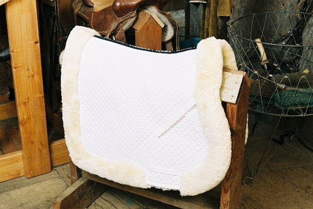 All Purpose Saddle Blanket with Complete Lining & Full Roll Edge